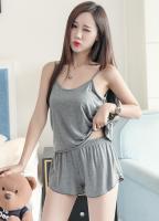Модный комплект кофточка на тонких бретельках и шортики, серый цвет_0