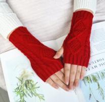 Митенки, перчатки без пальцев вязаные, красный цвет